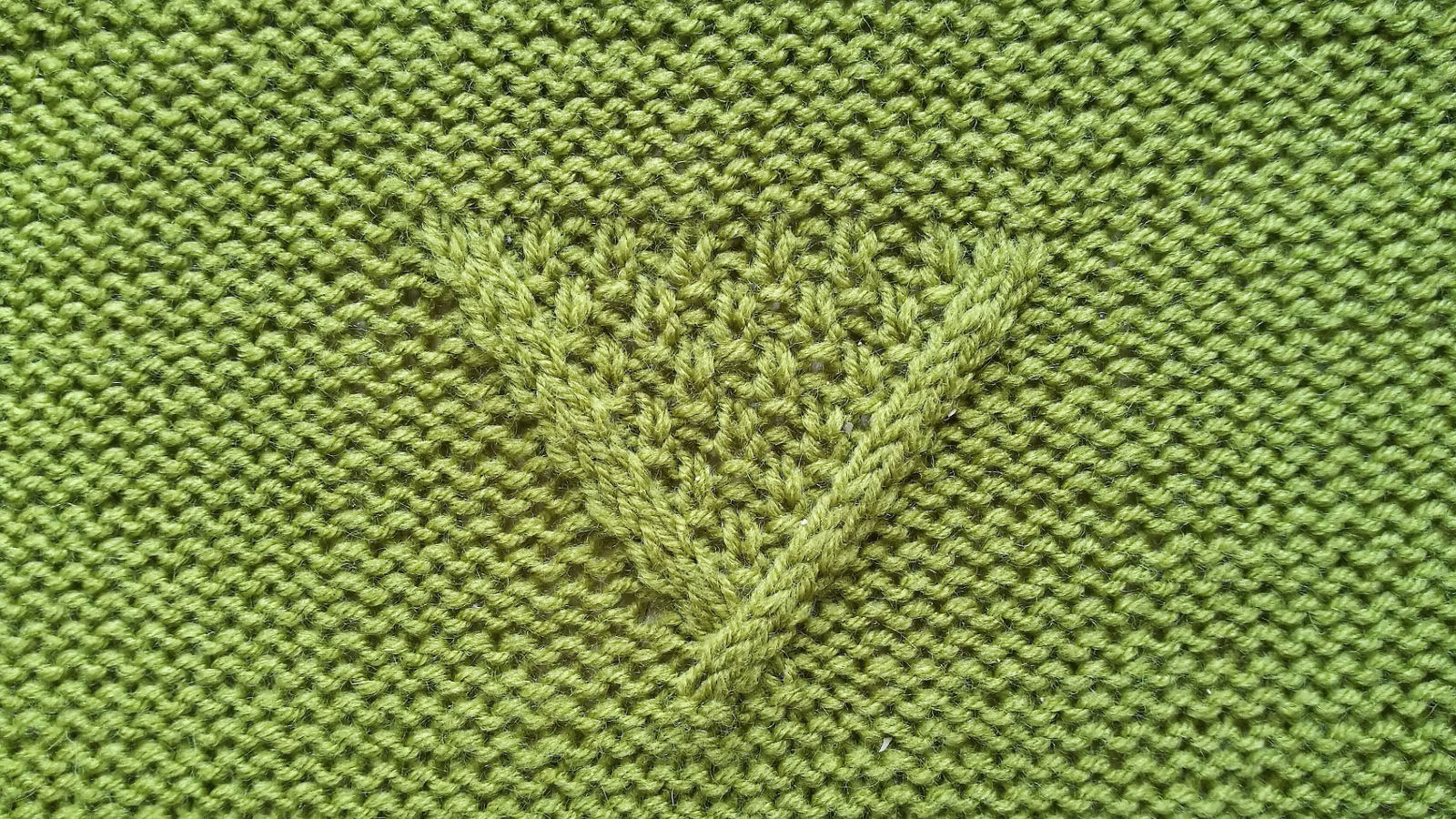 double seed stitch V cable panel right side